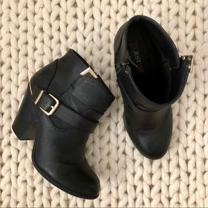 JustFab Pemberley Black Ankle Boots